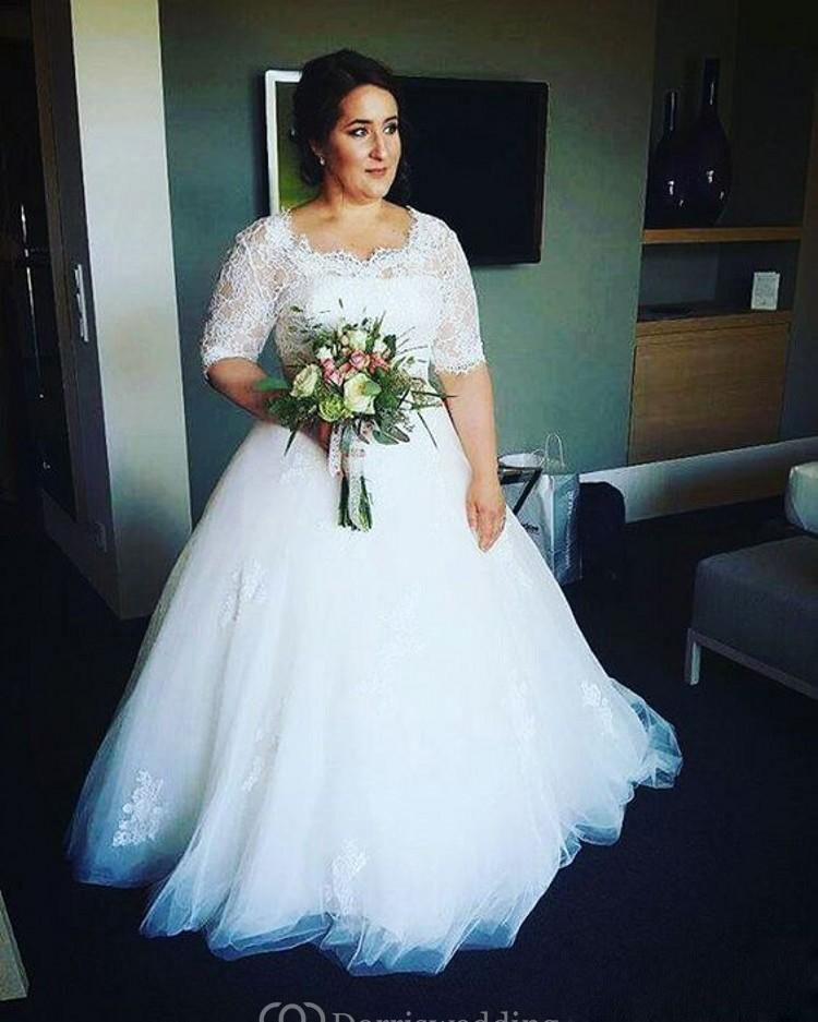 Plus Size Bridal Dresses: Half Sleeves Lace Bodice Appliques Tulle Fluffy Skirt Plus