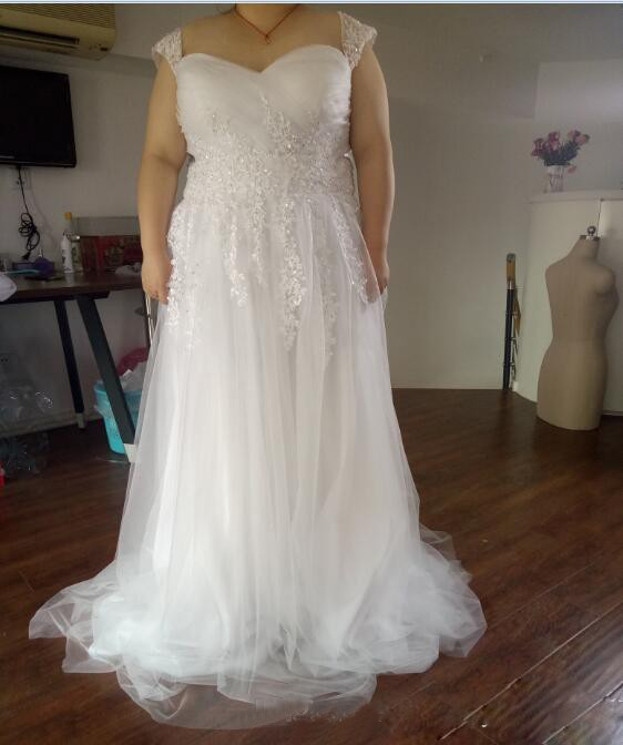 Bridal Gowns With Lace Cap Sleeves: A Line Plus Size Wedding Dresses Cheap Sweetheart Neckline