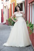A-Line Floor-Length Scoop Neck Sleeveless Lace Tulle Pleats Dress