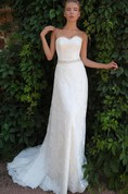 Sheath Long Sweetheart Sleeveless Corset-Back Lace Dress With Appliques And Waist Jewellery