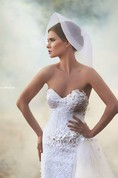 Romantic Sweetheart Tulle Wedding Dress Lace Appliques Flowers