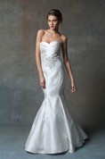 Sexy Satin Mermaid Long Dress With Lace Applique
