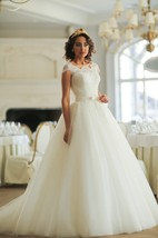 Ball Gown Long Bateau Cap-Sleeve Lace-Up Tulle Dress With Lace