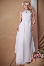 Majestic Sleeveless Wedding Dress With Keyhole Round Neckline Style