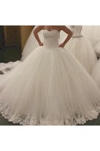 Charming Sweetheart Tulle Ball Gown With Lace and Beading Details