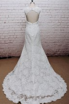 Lace Sleeveless Mermaid Bridal Gown With Scalloped V-Neck