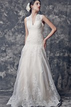 Vintage V-neck Lace Gown With Keyhole Back Style