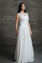Chiffon A-Line Sleeveless Dress With Lace Bodice and Keyhole Back