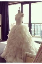 Elegant Ruffles Appliques Beadings Tulle Wedding Dress 2016 Spaghetti Strap