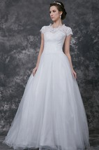 Romantic Scoop Neckline Lace Applique Wedding Ball Gown