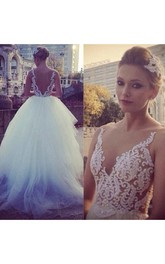Chic Pearls Appliques Princess Wedding Dress 2018 Tulle Court Train