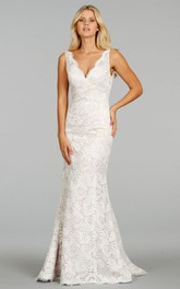 Classic Sleeveless V-Neck Floor Length Lace Dress