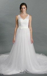 Sleeveless V-Neck A-Line Tulle Dress With Lace Bodice