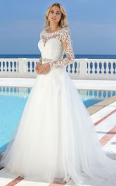 Scoop Floor-Length Long-Sleeve Appliqued Tulle Wedding Dress
