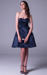 Short A-Line Sleeveless Sweetheart Appliqued Satin Prom Dress