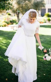 Lace A-line Beading Ivory Half Sleeve Wedding Dress