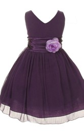 Sleeveless V-neck A-line Dress With Flower and Pleats