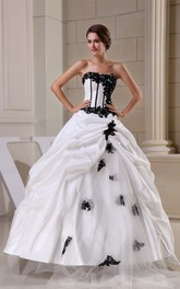 Glamorous Ruffled Sleeveless Bodice Gown With Lace Appliques and Zipper Back
