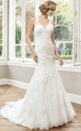 Sheath Maxi Appliqued Sleeveless V-Neck Lace Wedding Dress With Court Train And Backless Style