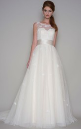 A-Line Appliqued Sleeveless Floor-Length Scoop Tulle Wedding Dress With Court Train And Low-V Back