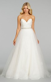 Gorgeous Sweetheart Neckline Tulle Ball Gown With Jeweled Belt
