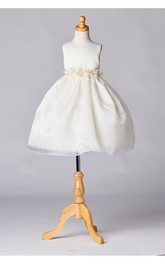 Scoop Neck Sleeveless Pleated Organza Ball Gown With Flower Sash