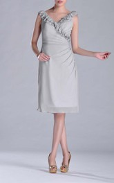 Knee-length V-Neckline Sheath Chiffon Bridesmaid Dress Side-draped