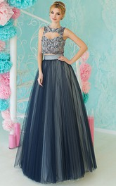 A-Line Floor-Length Queen Anne Sleeveless Tulle Appliques Keyhole Dress