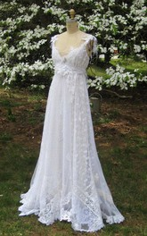 V-Neck Sleeveless A-Line Hippie Lace Wedding Dress With Bow