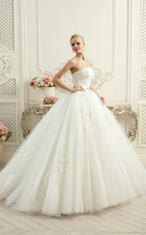 Ball Gown Long Strapless Sleeveless Backless Tulle Dress With Appliques