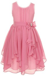 Sleeveless A-line Dress With Pleats and Bow