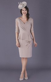 Elegant Chiffon Low-V Back Knee-length Mother of The Bride Dress with Illusion Sleeves