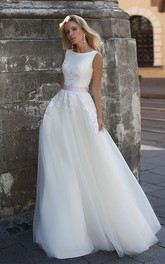 Ethereal Chiffon and Tulle Scoop-neck Sleeveless Wedding Dress with Bow