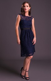 Knee-Length Bateau Neck Sleeveless Ribboned Lace Prom Dress