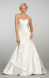 Graceful Sweetheart Neckline Satin Gown With Asymmetrical Ruching