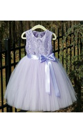 Scoop Neck Sleeveless Lace Bodice Tulle Ball Gown With Bow Sash