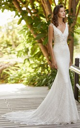 Court Train Elegant Sleeveless And Open Back V-neck Lace Mermaid Wedding Dress