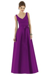 Elegant V-Neck Sleeveless Dress With Bow Sash