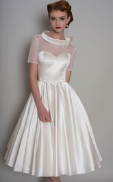 A-Line Knee-Length Bowed Short-Sleeve Satin Wedding Dress