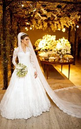 Elegant V-neck Long Sleeve Lace Wedding Dress Ball Gown