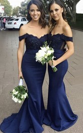 Sleeveless Appliqued Off-the-shoulder Sweetheart Mermaid Bridesmaid Dress