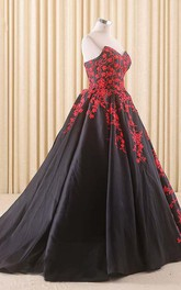 A-Line Floor-Length Sweetheart Appliques Chapel Train Zipper Corset Back Lace Satin Dress