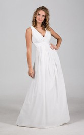 Chiffon V-Neck Sleeveless Long Bridal Gown With Pleats