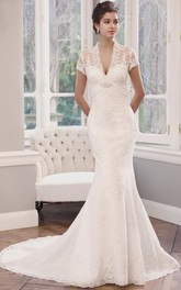 Mermaid T-Shirt-Sleeve V-Neck Lace Wedding Dress With Illusion