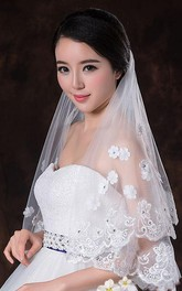 Latest Style Beautiful Wedding Veil with Flower Appliques and Beading