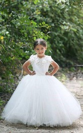 Lovely Bateau Cap Sleeve Tulle Girls Pageant Dress With Appliques Flower