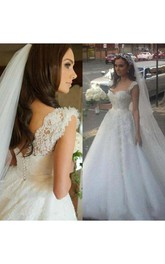 Delicate Lace Appliques Tulle 2018 Wedding Dress Button Zipper Back Straps Sleeveless