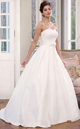 A-Line Strapless Appliqued Floor-Length Sleeveless Satin Wedding Dress With Bow And Lace-Up Back