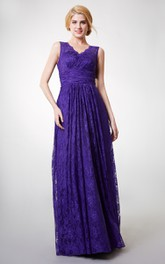 Long Sleeveless V-neck Sheath Lace Bridesmaid Dress
