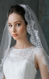 New Short Western Style Wild Eyelash Lace Applique Bridal Veil